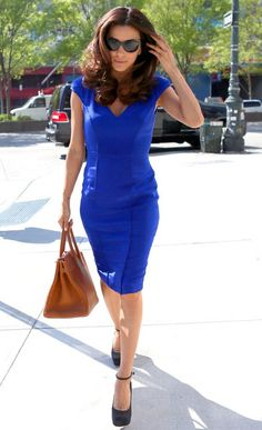 Eva Longoria Photos Photos - Eva Longoria wears a curve hugging blue dress as she takes a stroll back to her hotel. - Eva Longoria Out and About in NYC