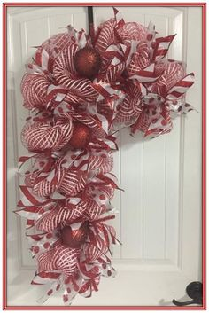 Christmas Candy Cane Wreath