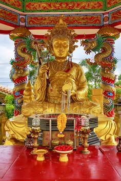 Naja temple by Sarun Kuntawong on 500px
