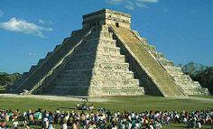 Chickén Itzá pyramid, Yucatán Peninsula, Mexico.