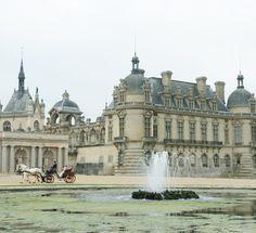 シャンティイ城 | フランスの式場 | ヨーロッパ・ウェディング、海外挙式のリージェンシー・グループ