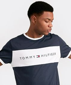 Tommy Hilfiger Lounge Retro Ringer T-Shirt in Navy and White. A retro sport aesthetic with a classic design that mirrors some of the menswear. Contrasting white stripe front and tommy branding are tipped with contrast collar and sleeve openings. Adidas Shirt Mens, Denim Shirt Men, T Shirt, Tommy Hilfiger Outfit, Camisa Polo, Tee Design, Streetwear Fashion, Play Mate, Shirt Designs