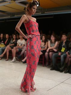 Vestido longo linda da LF na Semana de Moda de Curitiba - Lab Moda
