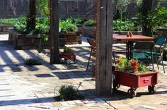 The Grounds of Alexandria, Alexandria  Mon-Fri 7am-4pm, Sat-Sun 8am-3pm; Building 7A/2 Huntley Street, Alexandria; 02 9699 2225; www.groundsroasters.com