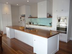 Traditional / Classic / Hampton's kitchen. www.summitkitchens.com.au.