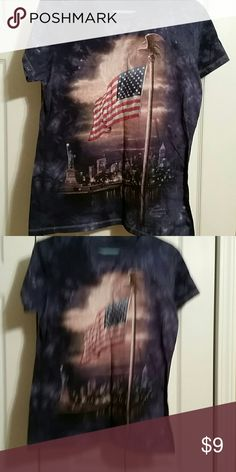 Ladies top Thomas kinkade picture of New York on tye dyed dark blue. No tag. Worn once. Tops Tees - Short Sleeve