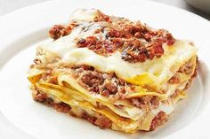Veal lasagne with mushrooms, provolone cheese and ricotta sauce « European Recipes « All Tasty Recipes Veal Recipes, Pasta Recipes, Beef Lasagne, How To Cook Mince, Cheesy Sauce, Thing 1, Gourmet, Kitchens