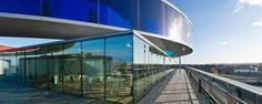 Olafur Eliasson Your rainbow panorama - regnbuen på ARoS Aarhus, Museum Of Modern Art, Art Museum, Glass Walkway, Olafur Eliasson, Roof Detail, Art Competitions, Best Cities, Public Art