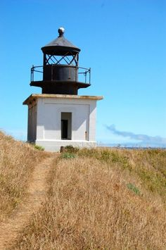 Dubbed the Lonliest #lighthouse in #California. Great day hike along the Lost Coast in #Humboldt. The path to the lighthouse is mapped out in this Picfari. | Picfari.com