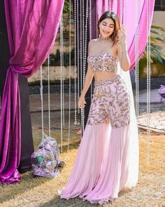 Brides Who Rocked Their Look In Wedding Jumpsuits Indian Fashion Dresses, Party Wear Indian Dresses, Designer Party Wear Dresses, Indian Bridal Outfits, Indian Gowns Dresses, Kurti Designs Party Wear, Dress Indian Style, Lehenga Designs, Indian Designer Outfits