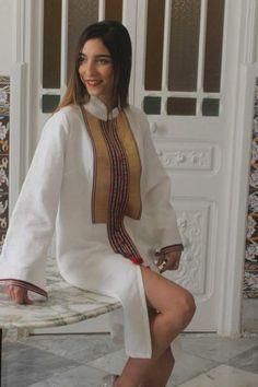 Habit traditionnel tunisien revisité pour les jeunes