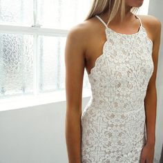 very pretty white lace dress - like the high neckline and sleeveless scalloped look of this sheath dress Fashion Mode, Fashion Beauty, Dress Fashion, Girl Fashion, Ladies Fashion, Fashion Clothes, Mode Style, Style Me, Casual Chique