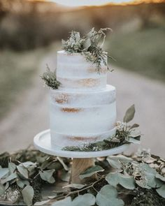 Wedding cakes you've gotta see this creative photo plan for a simply amazing cake right here. Wedding cakes you've gotta see this creative photo plan for a simply amazing cake right here. Floral Wedding Cakes, Wedding Cake Rustic, Wedding Cakes With Cupcakes, Elegant Wedding Cakes, Wedding Cake Designs, Wedding Cake Toppers, Wedding Themes, Rustic Weddings, Unique Weddings