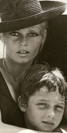 Brigitte Anne-Marie Bardot with her son Nicolas-Jacques Charrier - 1967