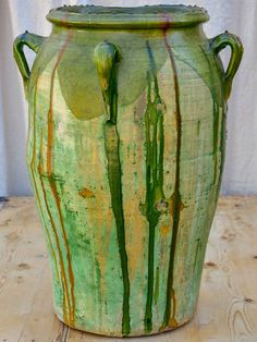 Large antique Spanish oil jar with green glaze 29 ¼'' Urn Planters, Outdoor Planters, Olive Oil Jar, Spanish Garden, Garden Urns, French Furniture, Terracotta Pots, Decoration, Painted Rocks