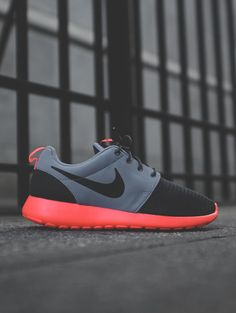 Nike Roshe Run Hyperfuse: Black/Grey/Orange