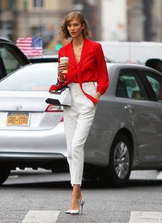 #Coffee anyone? #KarlieKloss #StreetStyle