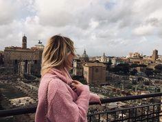 Windy blonde hair in Rome. 🖤