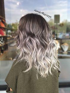 Balayage silver | balayage silver ombré | grey silver hair | medium length hair | elizabethashleyy