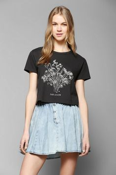 Silence + Noise Dead Bouquet Cropped Tee - Urban Outfitters