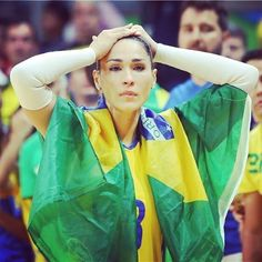 The Brazilian dream of the third  consecutive gold medal at #Olympics shattered. But this picture paints a thousand words!  #rio2016 #olympics #olympicgames #cbv #brasil #brazil #volei #voleibol #volley #volleyball #vball #jogosolimpicos #juegosolimpicos #fivb #sport #esporte #jaque #maracanazinho #maracanãzinho