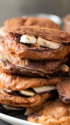Nutella Banana Croissant French Toast - Easy Nutella Desserts - Heavenly doesn& begin to describe buttery croissants dipped in batter, pan-fried and filled w - Croissant French Toast, Nutella French Toast, Croissant Recipe, French Toast Bake, Nutella Croissant, Nutella Pancakes, Croissants, Tastemade Recipes, Breakfast Recipes