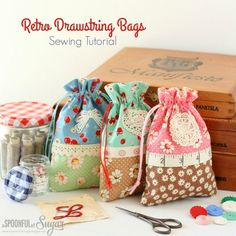 Retro Drawstring Bags Sewing Tutorial by A Spoonful of Sugar - these are adorabl. Retro Drawstring Bags Sewing Tutorial by A Spoonful of Sugar - these are adorable! Easy Sewing Projects, Sewing Projects For Beginners, Sewing Hacks, Sewing Tutorials, Sewing Crafts, Sewing Tips, Sewing Ideas, Scrap Fabric Projects, Tutorial Sewing