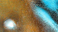 Marte non è secco, arido e inospitale come si pensava. L'acqua sembra essere ovunque rendendolo ancora oggi adatto alla vita.  Il Lato oscuro della luna di Stefano Nasetti
