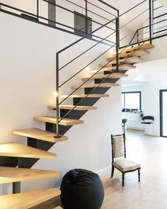 Stairs design modern decoration 39 New ideas Metal Stairs, Modern Stairs, Metal Deck, Railing Design, Staircase Design, Stair Design, Railing Ideas, Escalier Design, Building Stairs