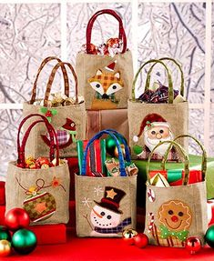 Christmas Gift Bags Burlap Set of 6 Decorated Embroidered Holiday Festive Giving Christmas Treat Bags, Christmas Gift Wrapping, Felt Christmas, Diy Christmas Gifts, Handmade Christmas, Christmas Ornaments, Burlap Christmas, Christmas 2019, Decorated Gift Bags