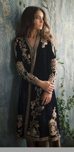 184 Best Indian Wedding Outfit Ideas For Bridesmaid images in 2020 Pakistani Bridal Dresses, Pakistani Dress Design, Pakistani Outfits, Indian Dresses, Ethnic Fashion, Asian Fashion, Look Fashion, Paris Fashion, Indian Wedding Outfits