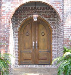 LOVE this door so much ! Looks mystic and magical..