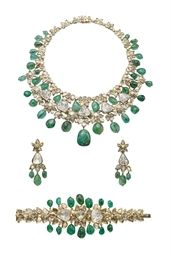 A SET OF EMERALD AND DIAMOND JEWELLERY, BY MOUAWAD | Christie's 448,296$