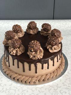 24 Ideas chocolate cake peanut butter icing desserts for 2019 Chocolate Cake Designs, Chocolate Desserts, Chocolate Drip, Cake Chocolate, Chocolate Frosting Recipes, Nutella Cake, Chocolat Ferrero Rocher, Easy Christmas Cake Recipe, Christmas Recipes