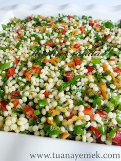 Ingredients: – 2 cups couscous pasta – 6 pieces green onions – 1 red pepper – Half bunch of parsley. Appetizer Salads, Appetizer Recipes, Salad Recipes, Vegetable Recipes, Vegetarian Recipes, Cooking Recipes, Healthy Recipes, Turkish Recipes, Ethnic Recipes
