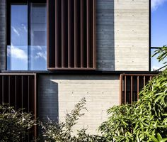 This concrete house in Tel Aviv by Bar Orian Architects features vertical louvers that can either be rotated to filter light or slid open to reveal windows Door Gate Design, Facade Design, Exterior Design, Modern Architecture House, Facade Architecture, Modern House Design, Concrete Facade, Concrete Houses, Concrete Walls