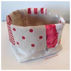 Cestino portapane patchwork in cotone sui toni del rosso ed ecrù , by fattoamanodaTati, 23,00 € su misshobby.com