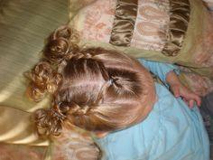 Girl Hairdos & Ideas: 3 messy piggies