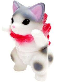 Name: Husky Platform: Mamera Artist: Konatsu Manufacturer: Konatsuya Material: Sofubi