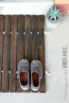 DIY wood stake doorm
