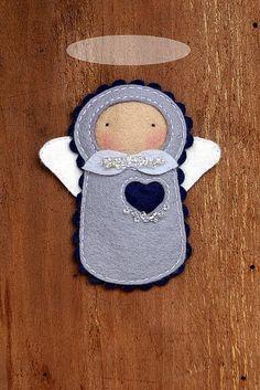 Little felt angel. Felt Christmas, Christmas Angels, Christmas Crafts, Christmas Ornaments, Sewing Projects, Craft Projects, Felt Angel, Angel Crafts, Felt Decorations