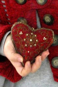Christmas heart...lovely.