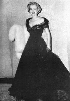 Marilyn in gorgeous black tulle gown at the 1951 Oscars...