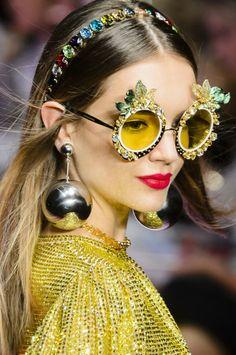 171e6da24ed15 Dolce   Gabbana Spring   Summer 2018 Fashion Week 2018
