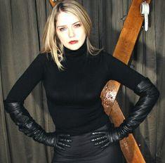 lady in gloves Women's Dresses, Elegant Gloves, Gloves Fashion, Leder Outfits, Black Leather Gloves, Long Gloves, Leather Fashion, Sexy Outfits, Blazers