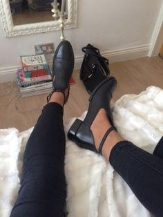 shoes black boots heels cut-out straps black shoes shoes black grunge flat…