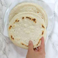 Soft, warm pita bread made with 5 gut-friendly ingredients.