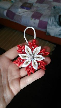 Best 12 Kanzashi flowers – Artofit – Page 5373357992903748 Quilling Christmas, Christmas Ribbon, Christmas Embroidery, Diy Christmas Ornaments, Handmade Christmas, Christmas Snowflakes, Christmas Decorations, Quilted Ornaments, Fabric Ornaments