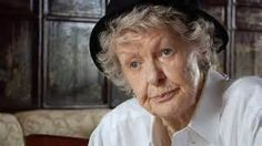 """This film image released shows Elaine Stritch in a scene from """"Elaine Stritch: Shoot Me"""" Broadway, Shirley Jones, Film Images, Budget Planer, Tribeca Film Festival, Netflix Streaming, Creative People, I Movie, Movie Cast"""