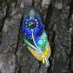 Автор @beadspool_studio 〰〰〰〰〰〰〰〰〰〰〰〰〰〰 По всем вопросам обращайтесь к авторам изделий!!! #ручнаяработа #брошьизбисера #брошьручнойработы #вышивкабисером #мастер #бисер #handmade_prostor #handmadejewelry #brooch #beads #crystal #embroidery #swarovskicrystals #swarovski #купитьброшь #украшенияручнойработы #handmade #handemroidery #брошь #кольеручнойработы #кольеизбисера #браслеты #браслетручнойработы #сутажныеукрашения #сутаж #шибори #полимернаяглина #украшенияизполимернойглины
